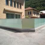 recinzione-vetro-acidato-satinato-profilo-alluminio-design-moderno-elegante-varese-azzate-milano-como-svizzera-canton-ticino-1m