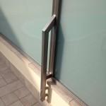 recinzione-vetro-bianco-latte-acciaio-inox-aisi-316-satinato-design-varese-azzate-1b