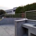 balaustra-parapetto-balcone-acciaio-inox-aisi-304-satinato-calandrato-piantane-quadro-inserti-tondo-q-railing-azzate-varese-1b