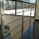 balaustra-parapetto-balcone-acciaio-inox-aisi-304-satinato-corrimano-legno-inserti-piatto-q-railing-azzate-varese-28b