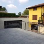 balaustra-parapetto-balcone-acciaio-inox-aisi-304-satinato-piantane-quadro-inserti-tondo-q-railing-azzate-varese-1d